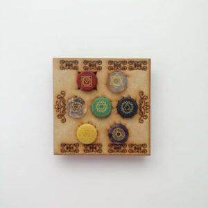 et 7 chakras grabados con caja cuadrada